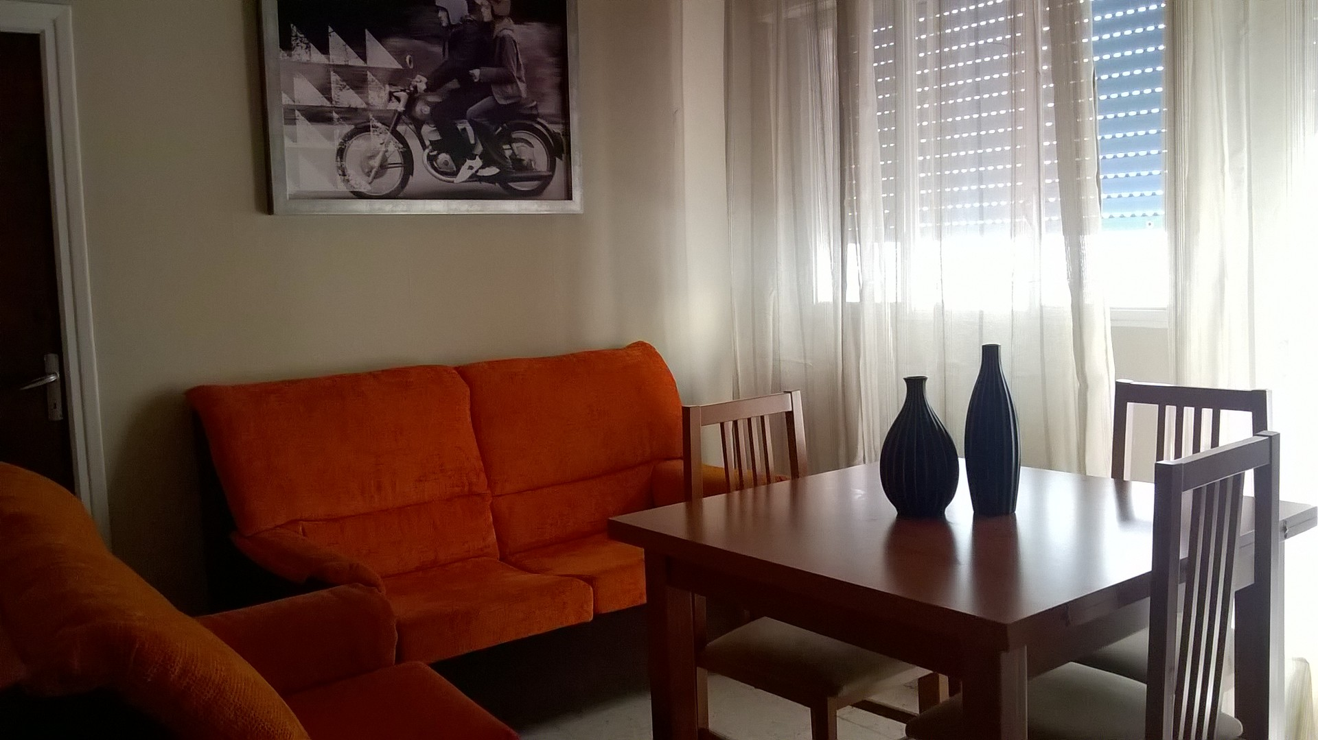 Alquilo 4 habitaciones en piso compartido salon cocina for Habitaciones individuales en alquiler