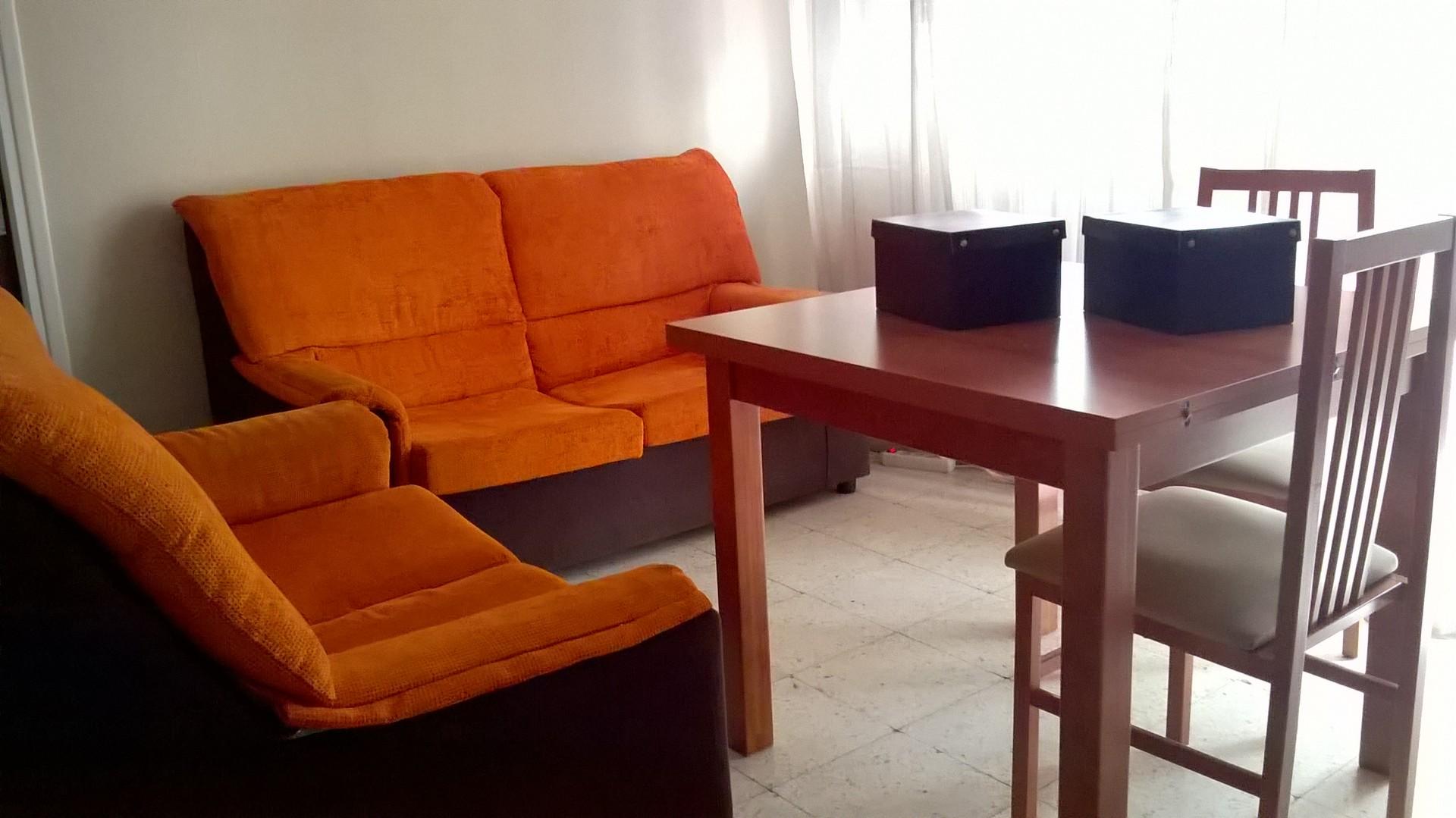 Alquilo 4 habitaciones en piso compartido + Salon, cocina ...