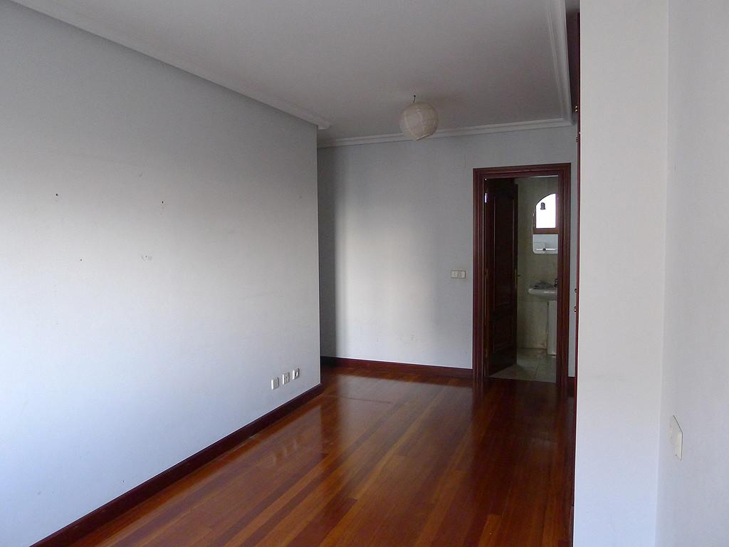 Alquilo habitaci n muy amplia y luminosa con gran armario for Alquilo habitacion amplia
