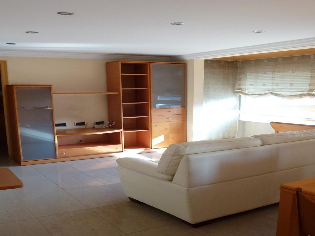 Alquilo piso amplio de dos dormitorios en centro de girona Pisos para dormitorios