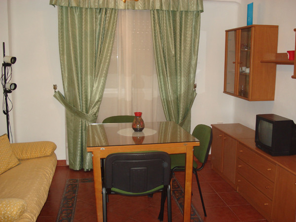 Alquilo piso en sevilla cerca de la universidad alquiler for Piso de alquiler en sevilla
