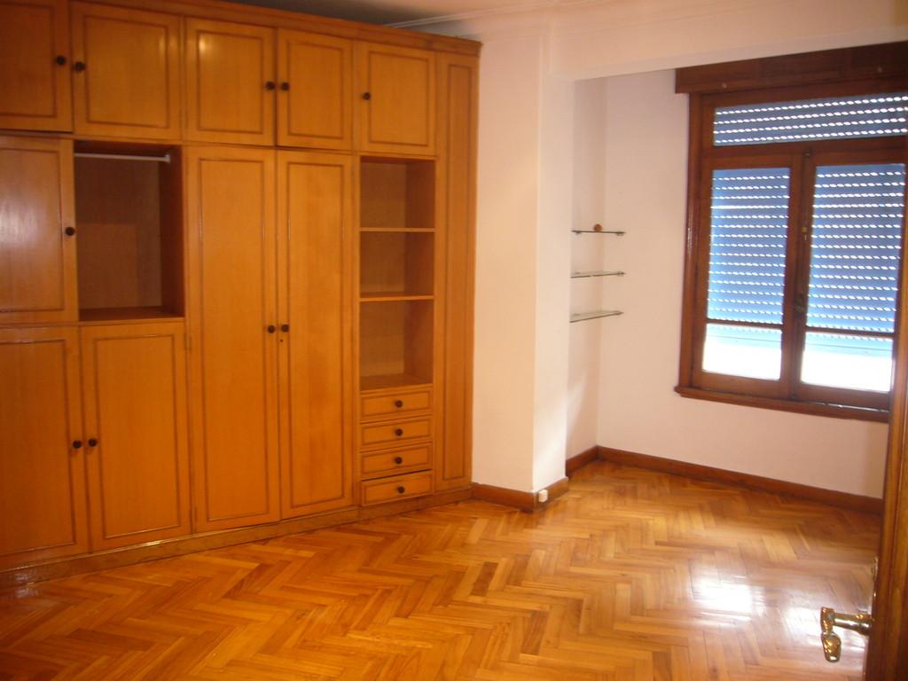 Alquilo piso por habitaciones para estudiantes centro de for Piso 1 habitacion