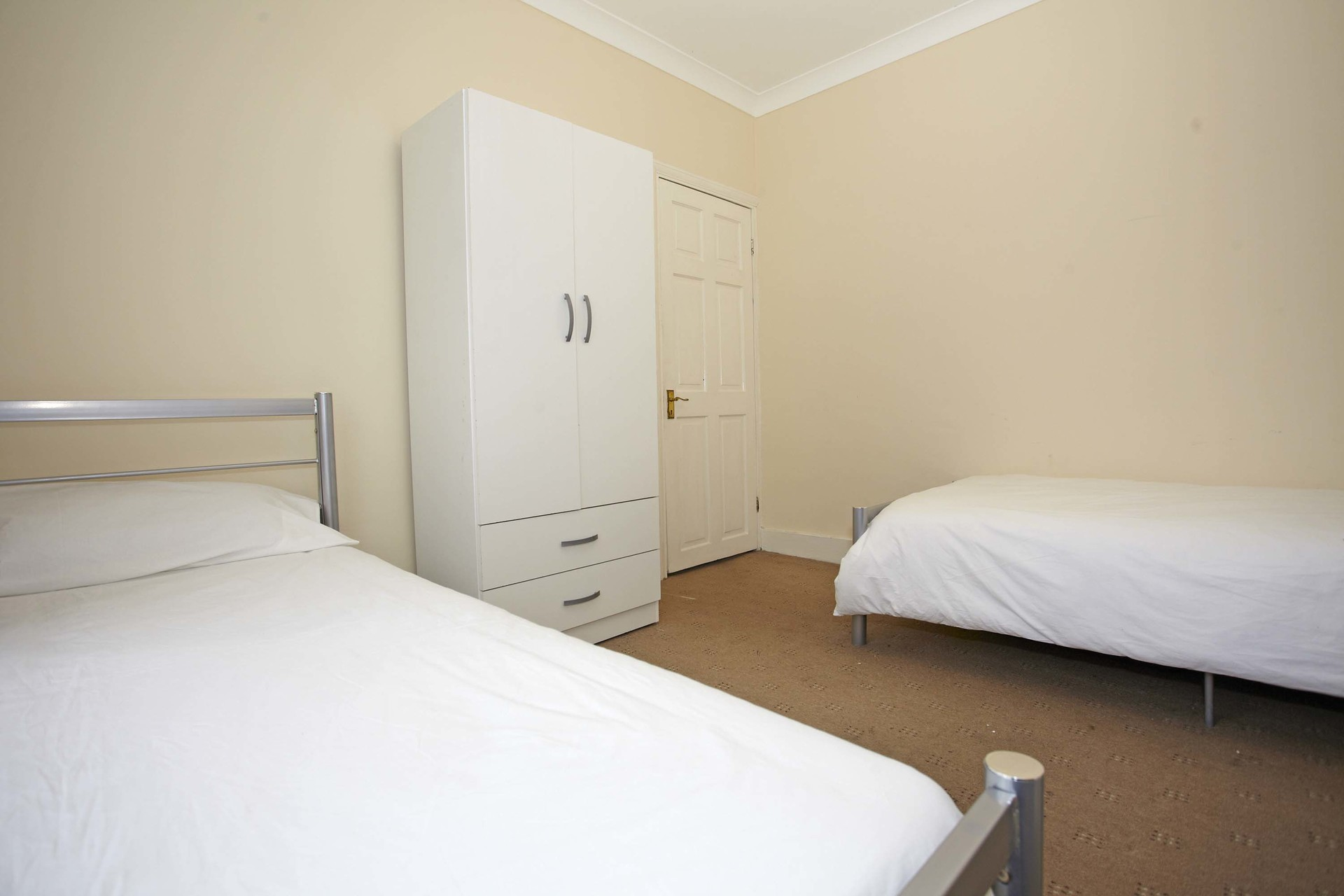 amazing-single-room-available-students-young-professionals-london-a460ac4c4cae9d7e403782b7709cb89c