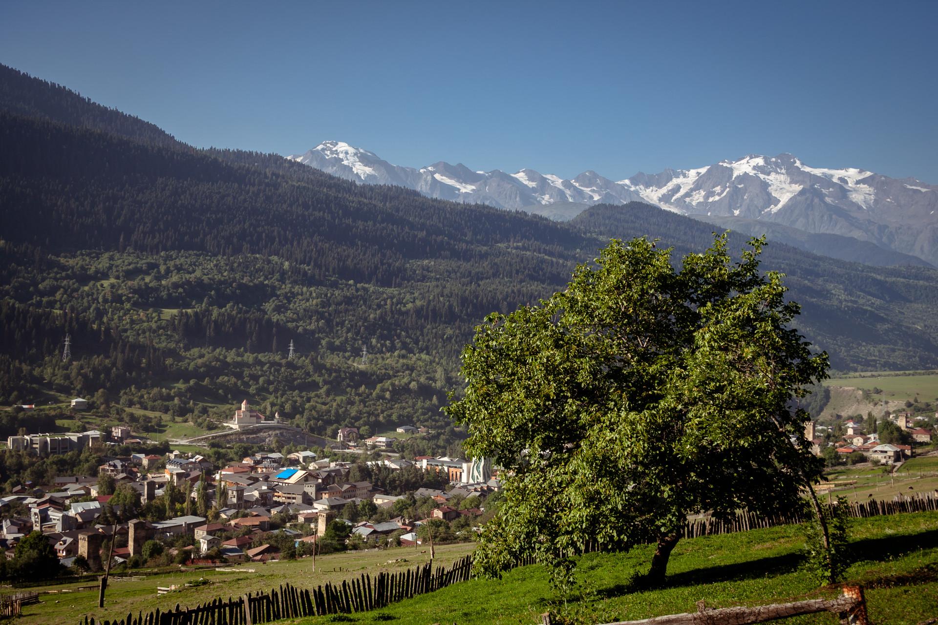 Ammirando le Alpi Georgiane
