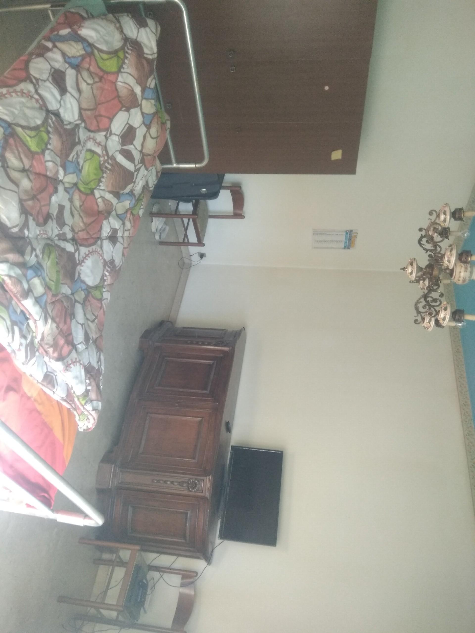 Ampia camera in appartamento a Torino