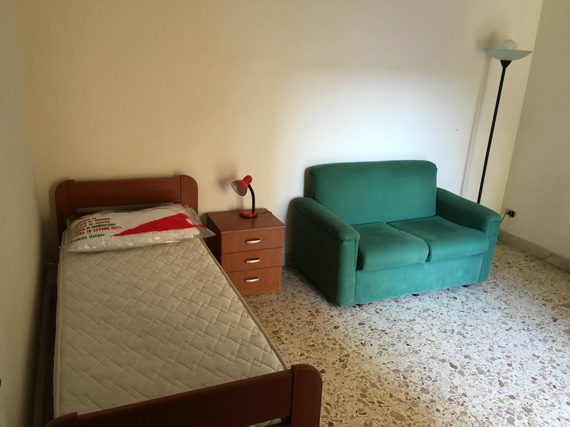 Ampia e luminosa stanza singola