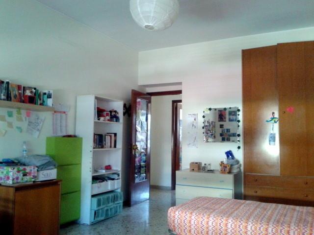 Ampia e luminosa stanza singola in centro