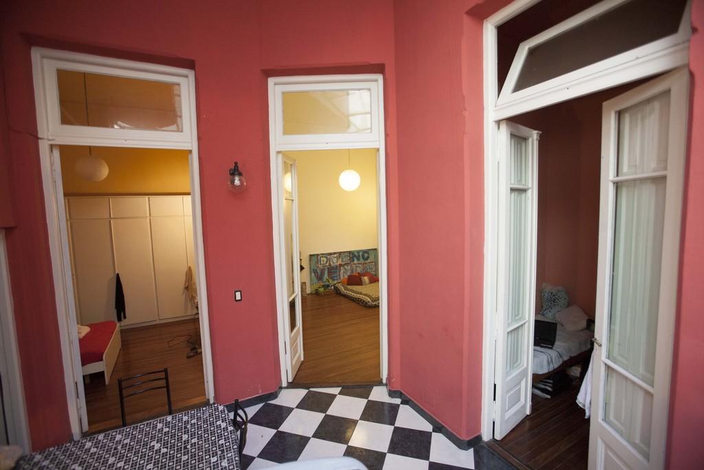 Amplia Habitaci 243 N En Departamento Compartido En El Barrio