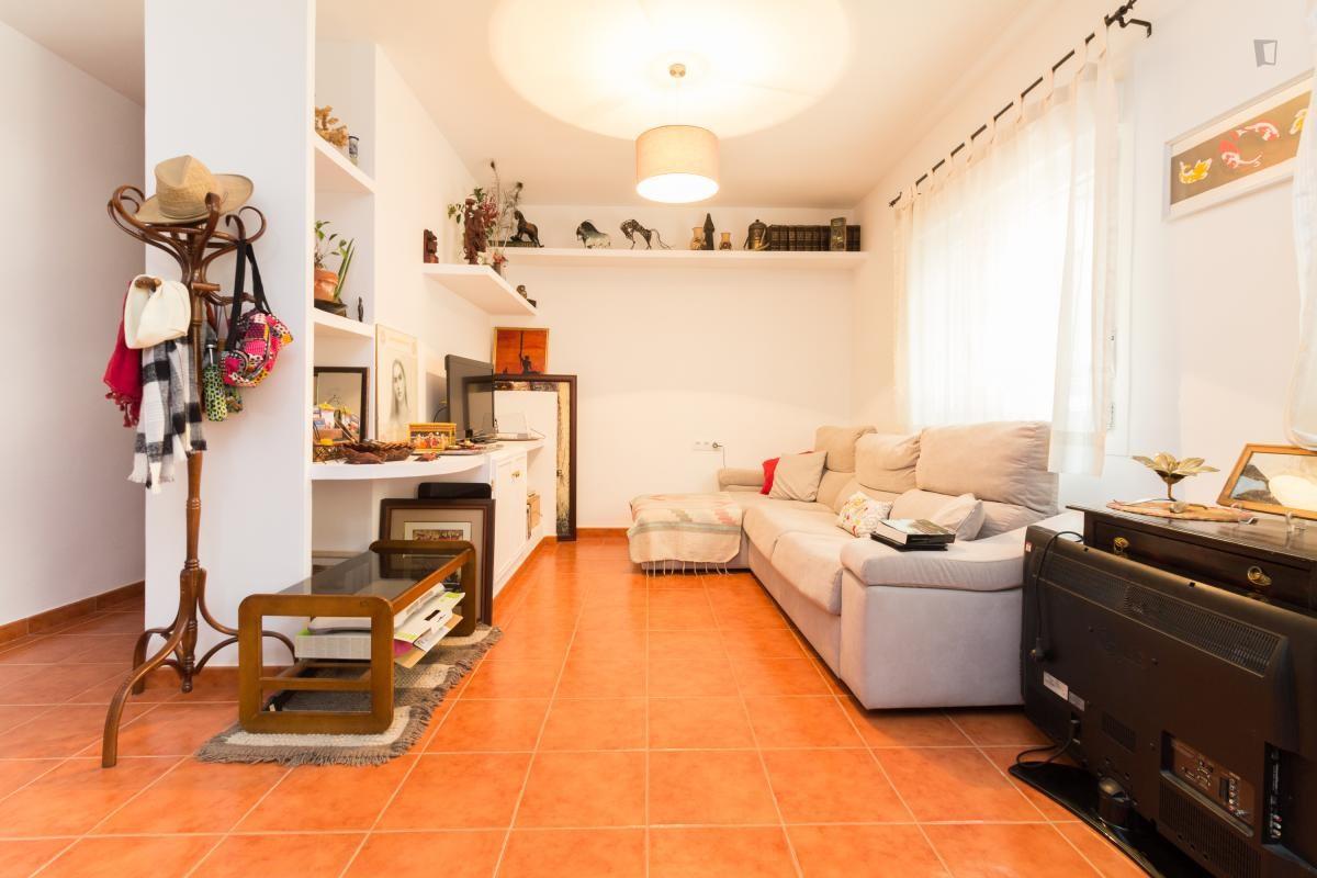 amplia-habitacion-en-plaza-espan-6289663