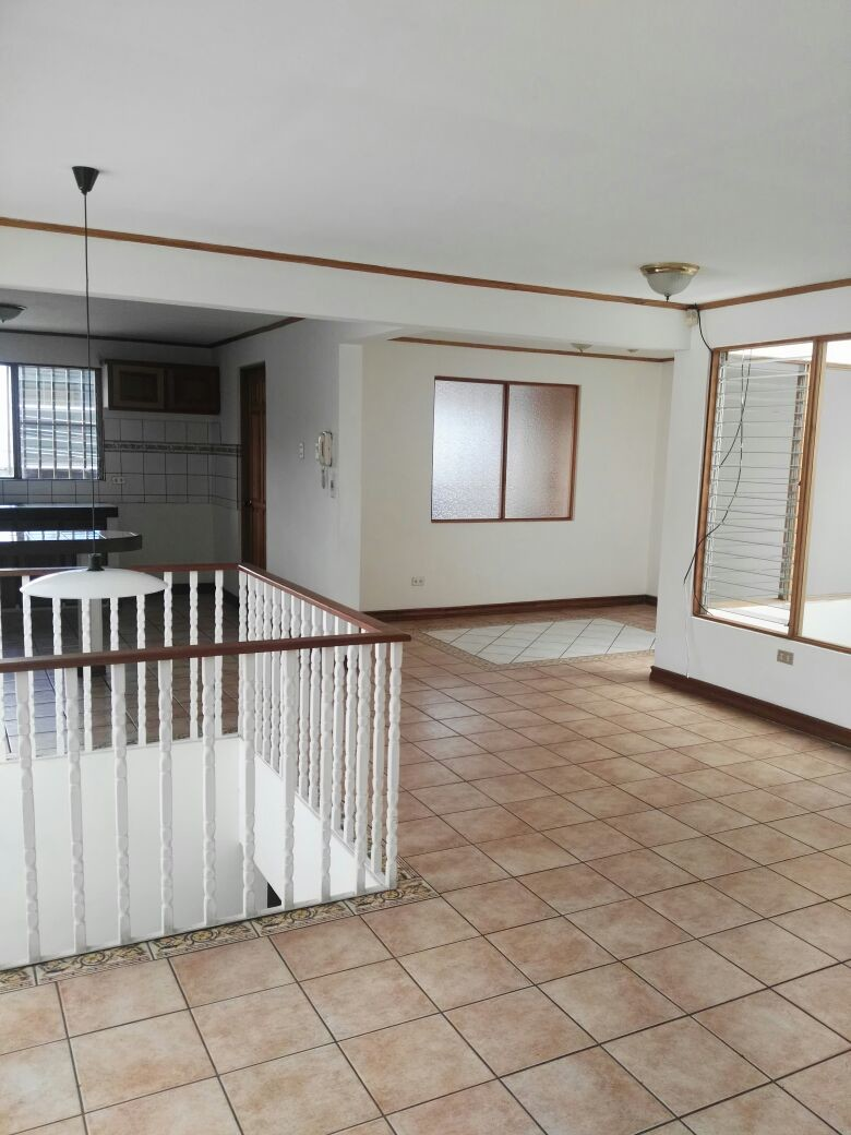 amplio-apartamento-en-pinares-curridabat-21ea59a54e7d2c3d1f08623c6f52cf0a