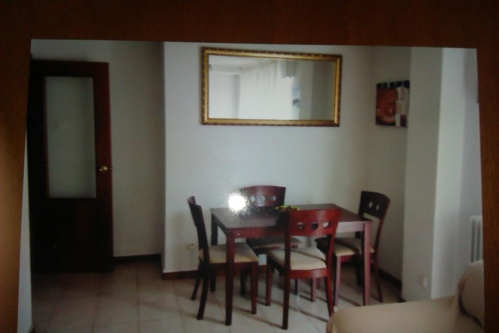 apartamento-amplio-junto-a-i-e-university-dde9751b3e21d5519ec77246cb4b4dc6