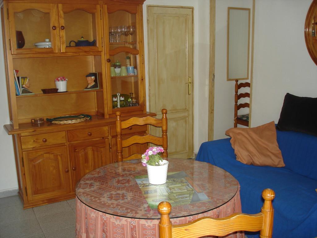 Apartamento en sevilla frente a catedral alquiler pisos for Alquiler de apartamentos en sevilla centro