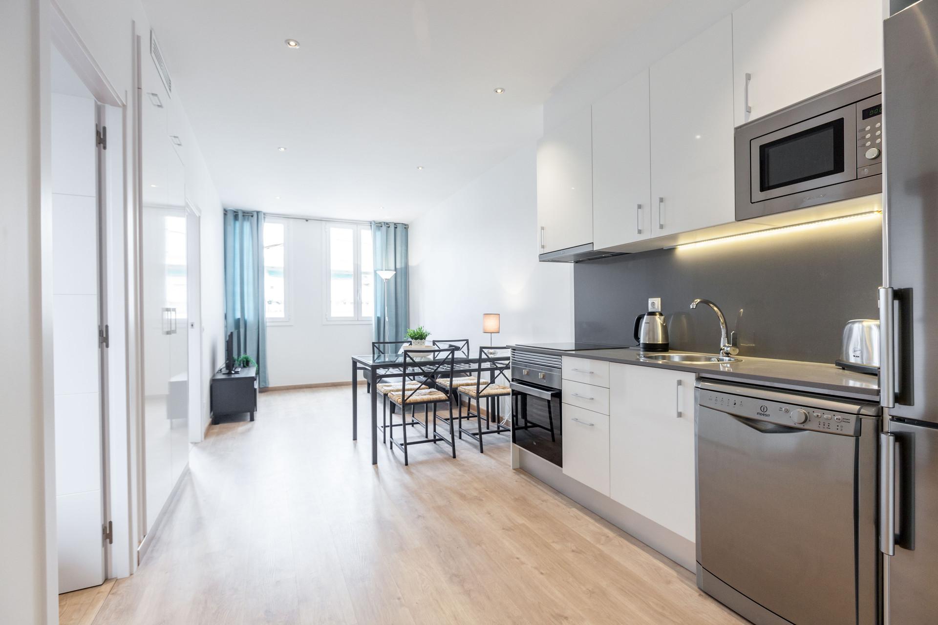 Apartamento recien reformado de 2 habitaciones cerca a plaza espa a alquiler pisos barcelona - Casas en alquiler cerca de barcelona ...