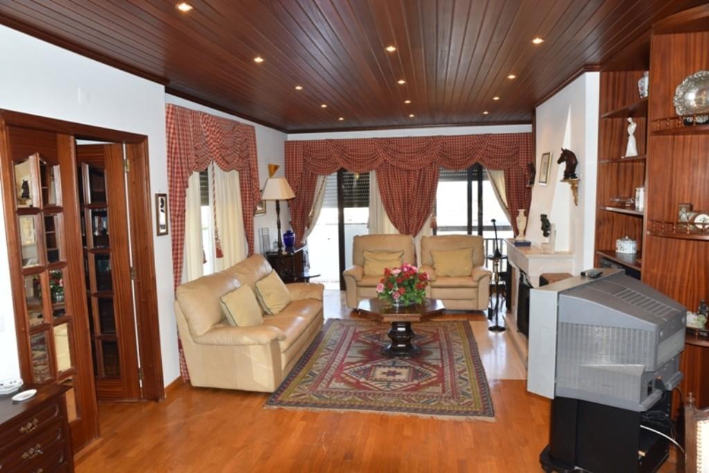 apartamento-t21-7-andar-vista-espetacular-56d59edf2deb3f371ec9f880a1de4027