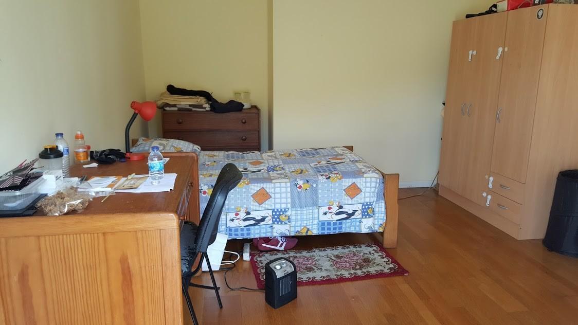 Apartamento T5 espaçoso com 2 salas e 3 wcs
