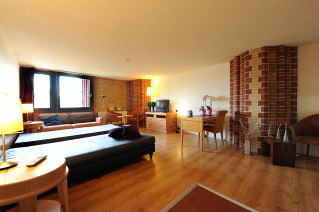 Apartamentos para 1 2 o 3 personas en haarlem alquiler for Comedores pequea os para 4 personas
