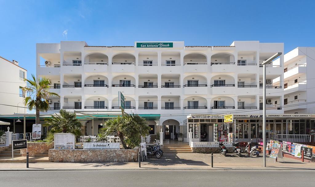 Apartamentos En Cala De Bou.