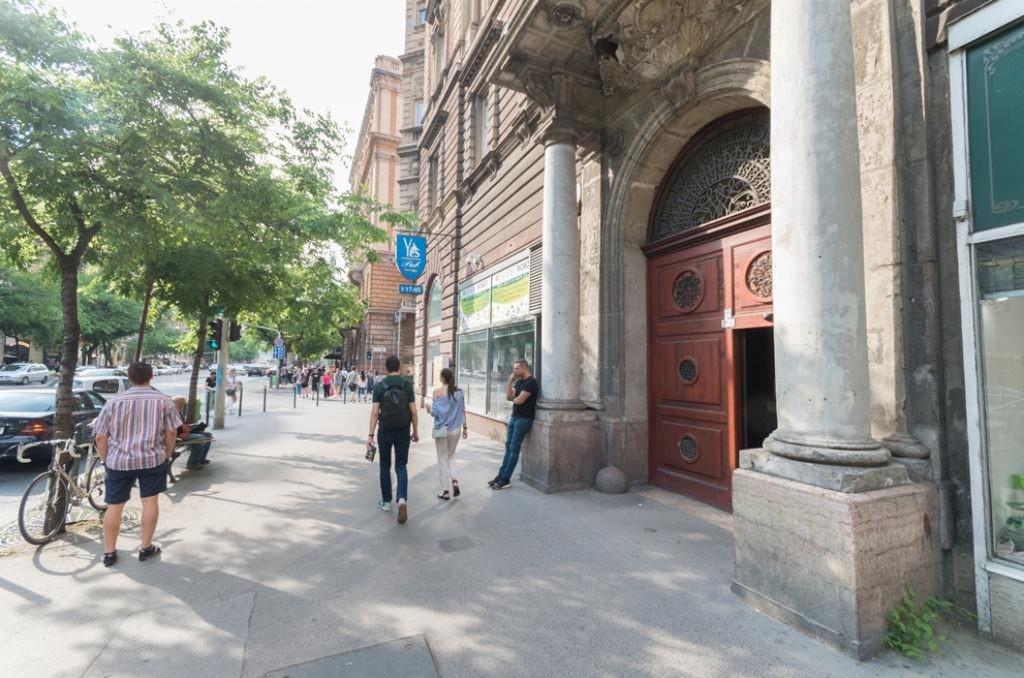 Budapest,  Szent István krt. 18