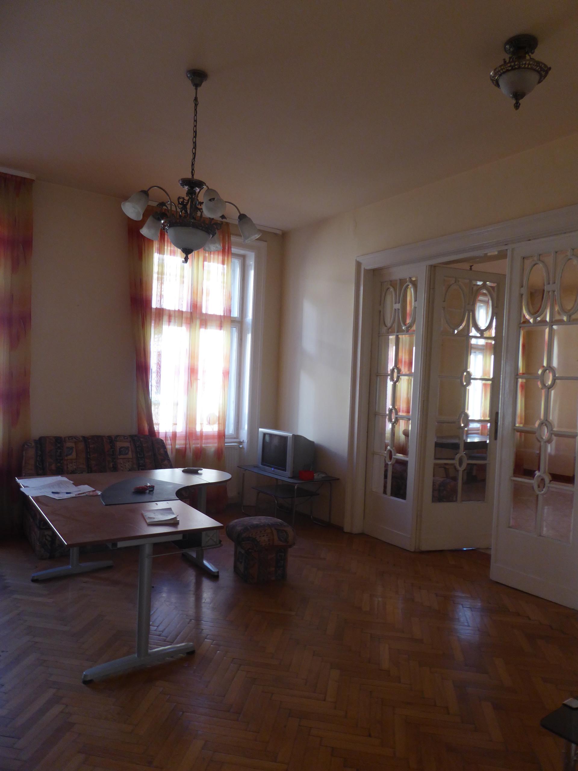 Apartment distric6 dessewffy corner Hajos utca with 3 bedrooms