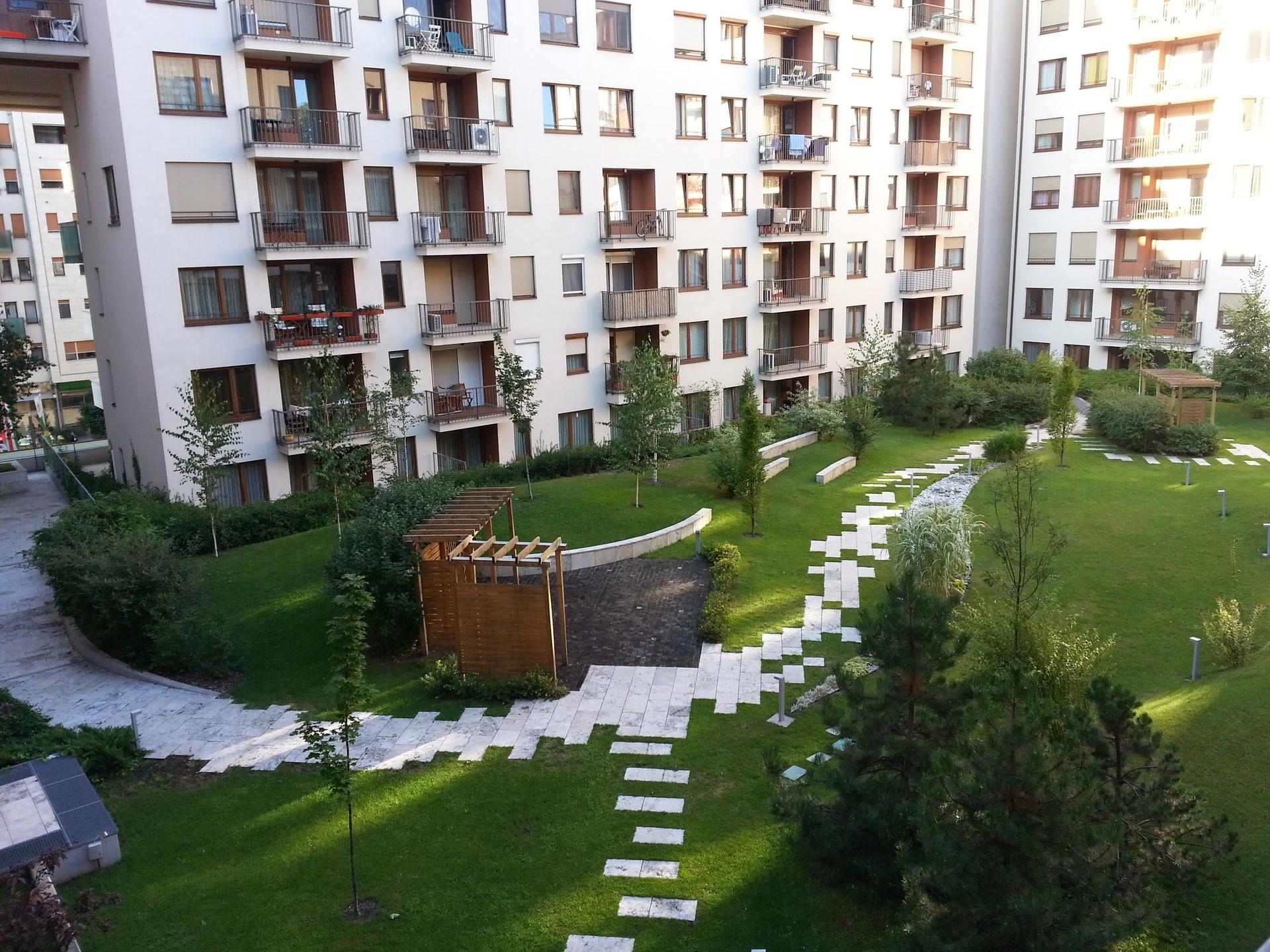apartment with garden at corvin promenade - Apartment Garden