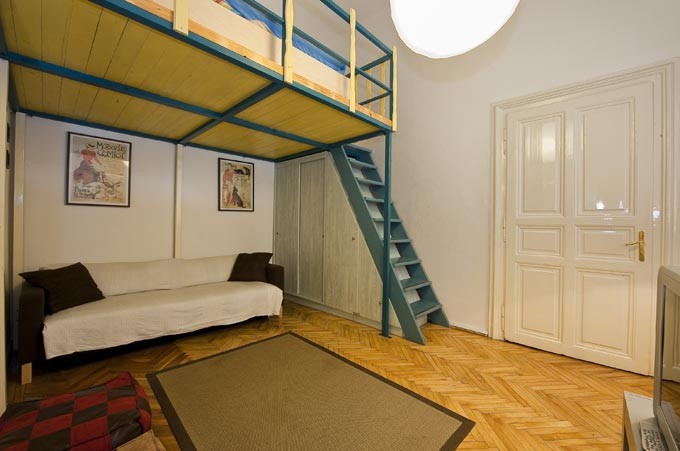 Apartment Paganini in city center for students