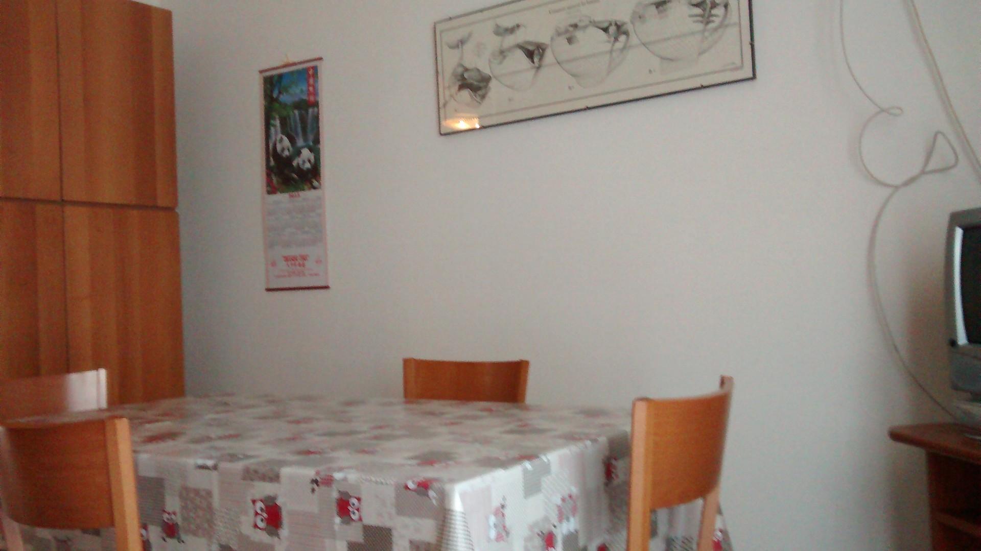 Appartamento 3 camere studio 2 bagni e garage zona mare for Appartamento garage prefabbricato a 2 piani