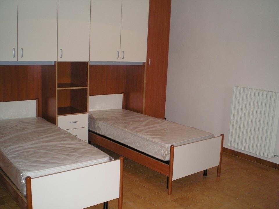 Vicinanze universit e stazione stanze in appartamento for Appartamento in affitto arredato bari