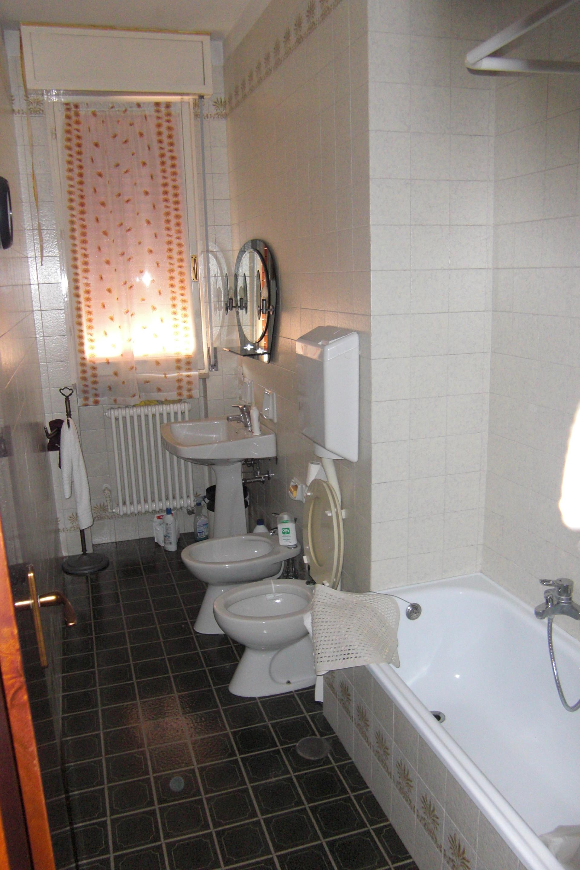 3 stanze in appartamento in zona tranquilla e verdissima - Costo registrazione contratto ...