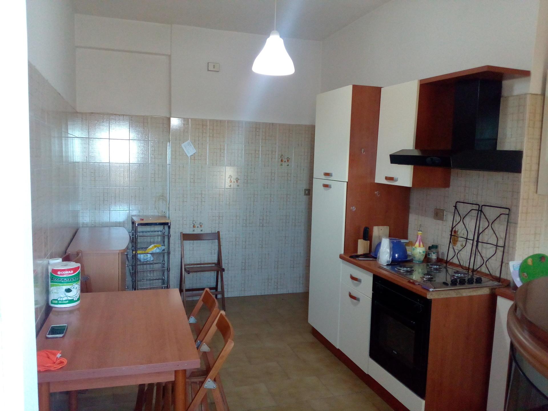 Appartamento luminoso di 95 mq. 4 letto cucina abitabile con ...
