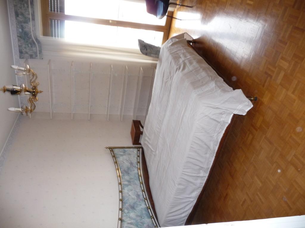 Appartamento luminoso a milano con 3 camere da letto - Camere da letto usate milano ...