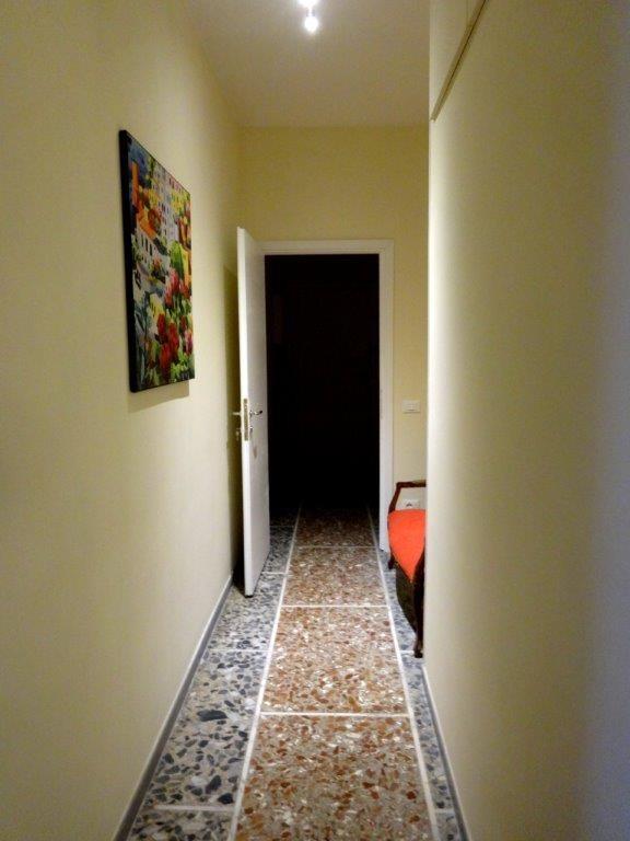 appartamento luminoso in zona pigneto roma , camera con due letti ... - Soggiorno Luminoso