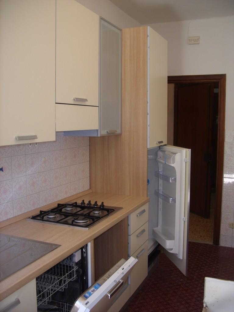 Stanza in appartamento ristrutturato luminoso panoramico for Appartamenti ristrutturati