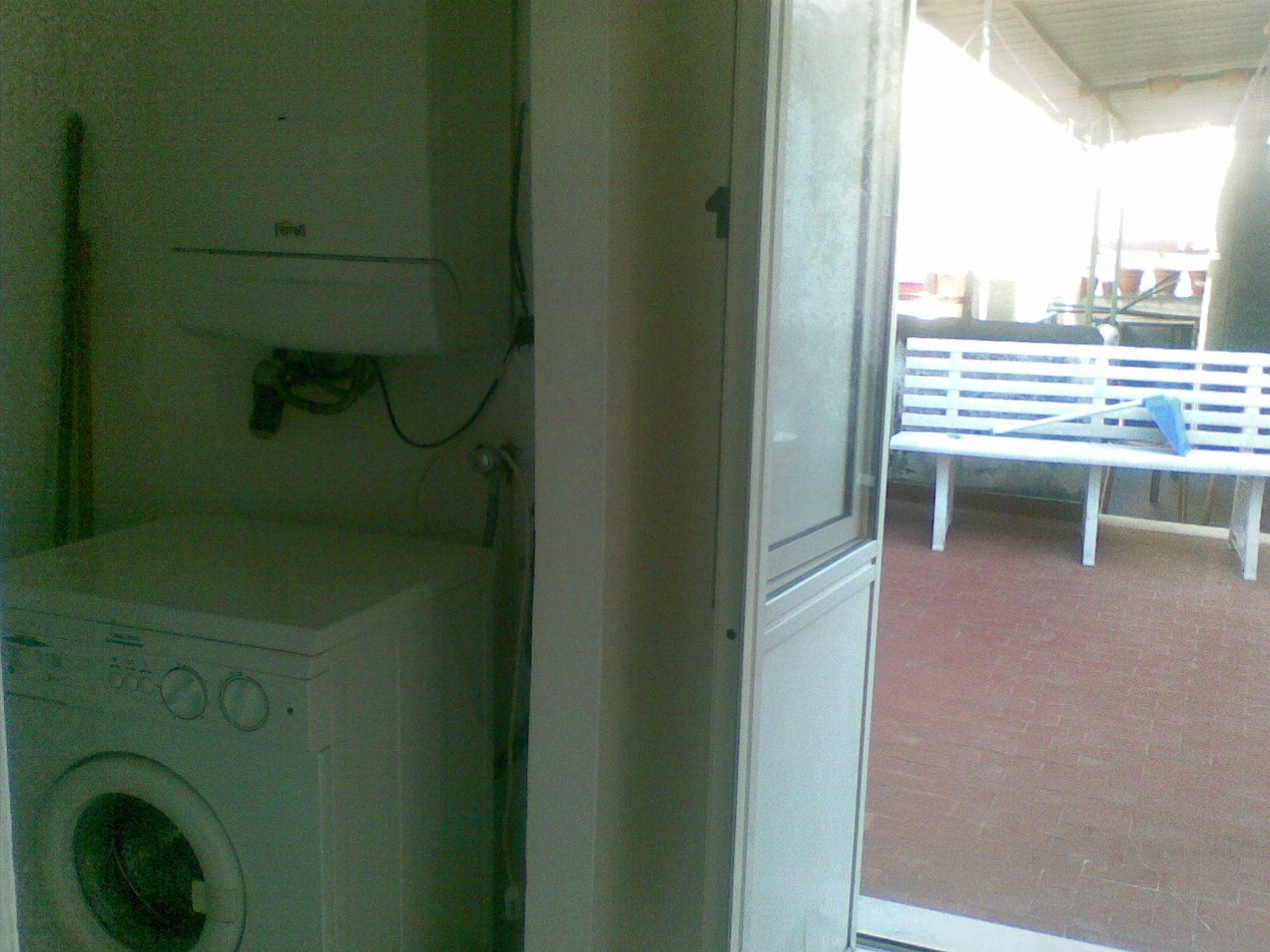 Appartamento vicino alla stazione napoli appartamenti in for Appartamenti napoli