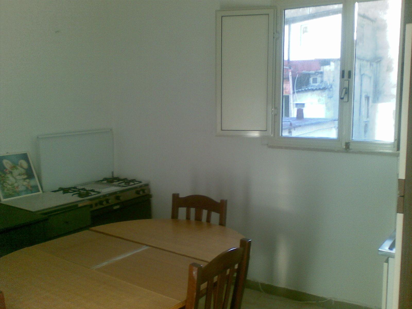 Appartamento vicino alla stazione napoli appartamenti in for Appartamenti in affitto arredati napoli