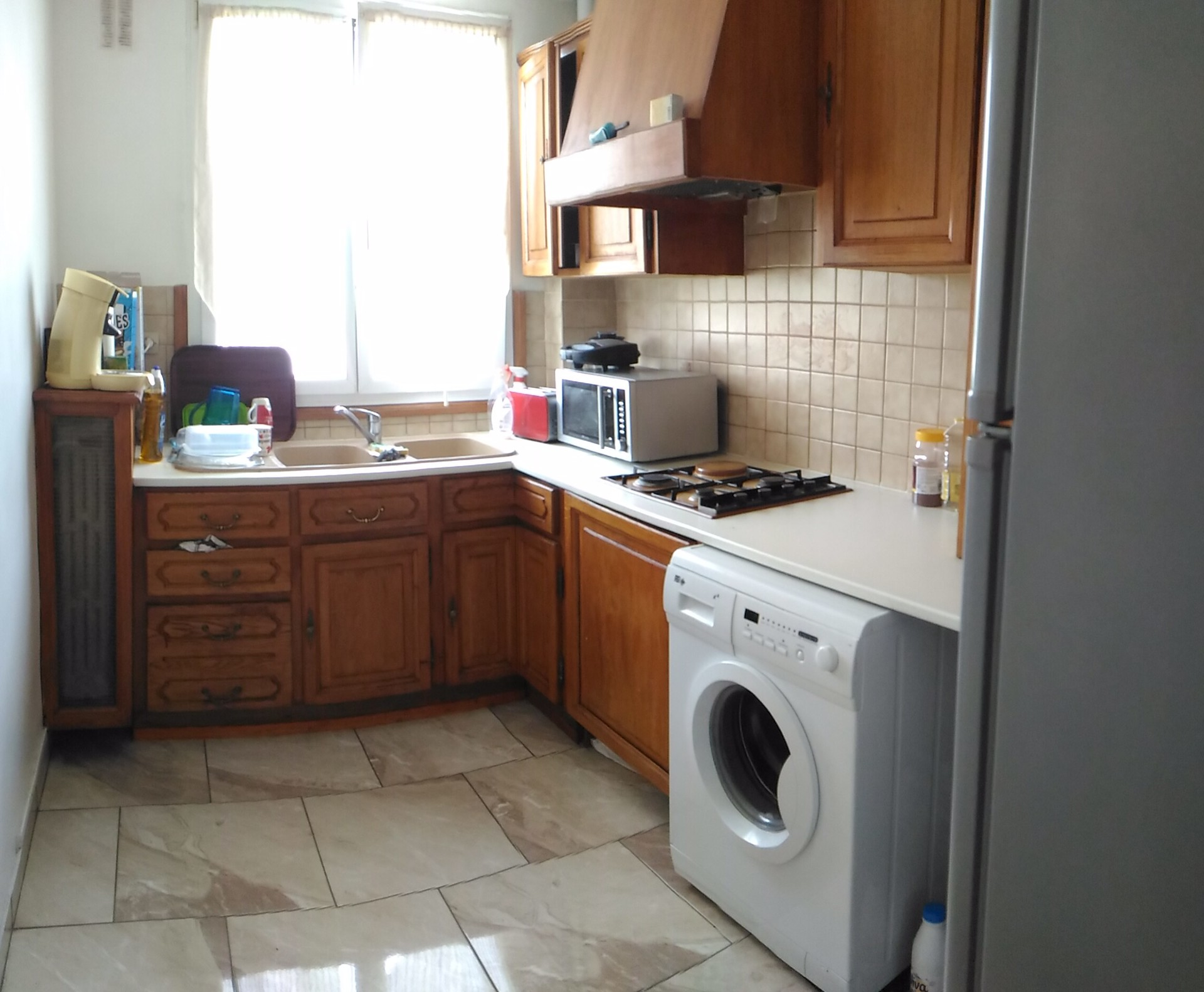 Chambre dans un appartement 75m2 region parisienne