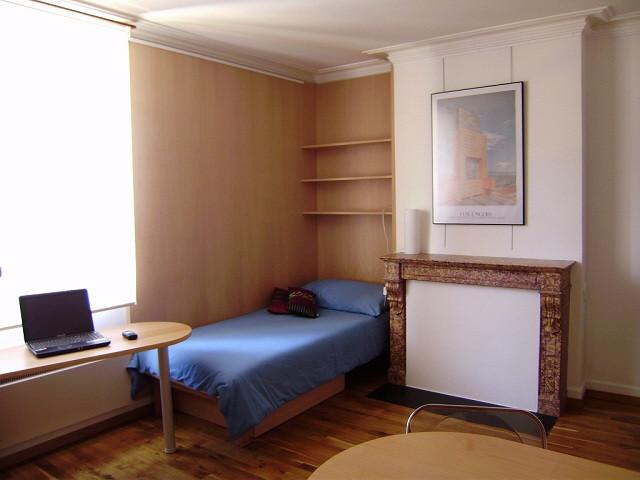 Appartement meubl dans le centre du vieux carouge for Appartement meuble geneve