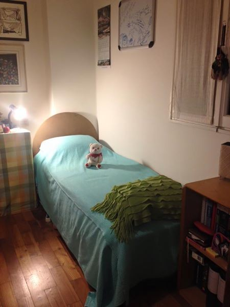 available bed in shared room for girl/boy!