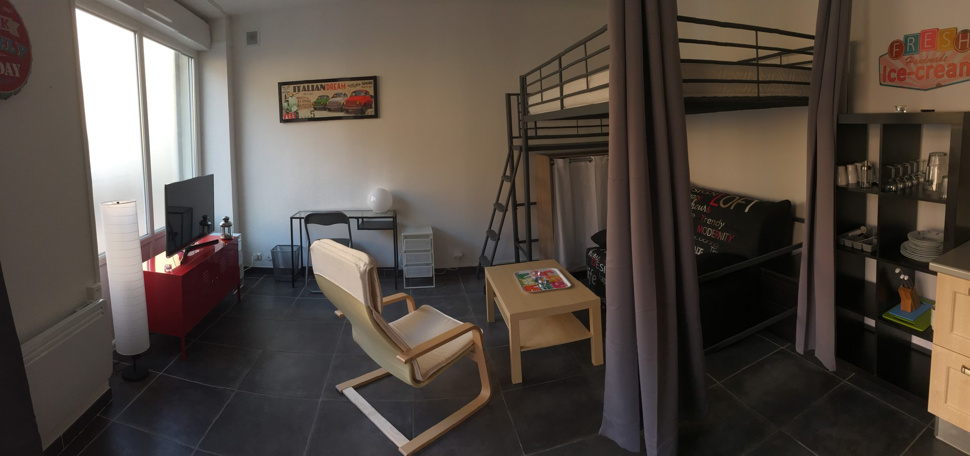 avignon-intra-muros-grand-studio-lumineux-climatise-totalement-renove-meuble-de-neuf-baea4555e94576be98221a3c732334e8
