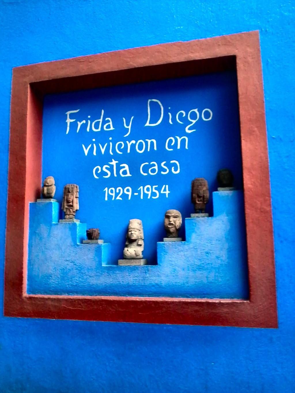 Azul es el amor de Frida Kalho