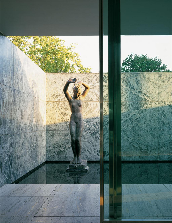 Barcelona Pavilion - Mies van der Rohe