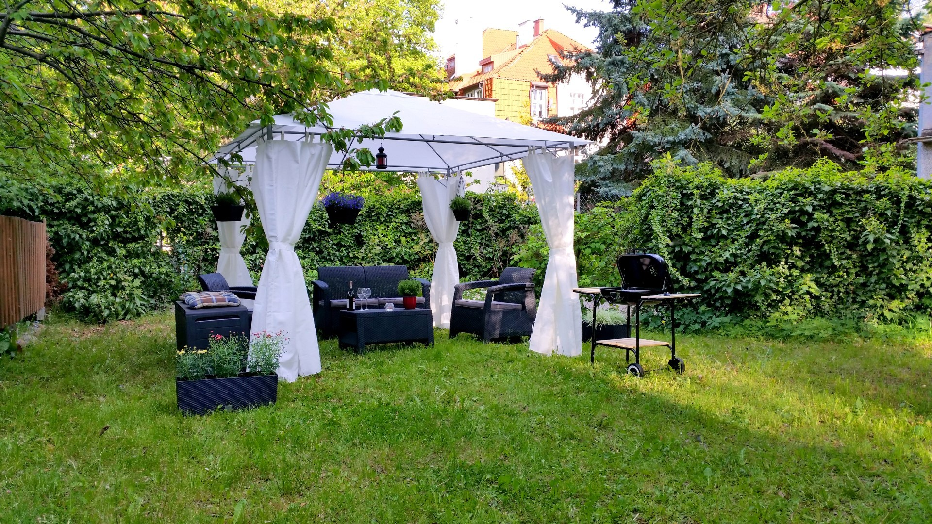 Beautiful Apartment in SOPOT, GDANSK- with Garden