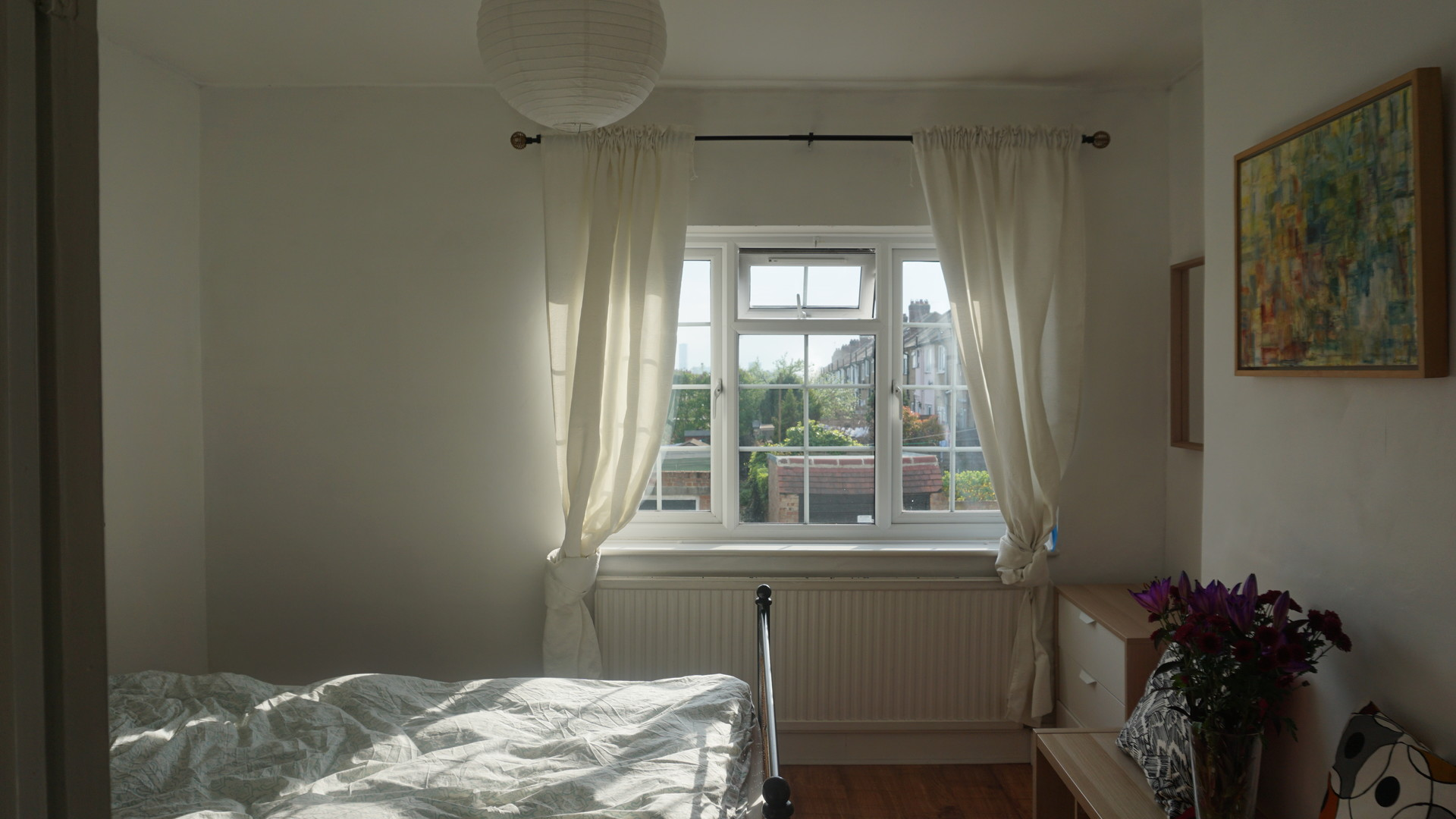 Beautiful fully furnished room in big English period house