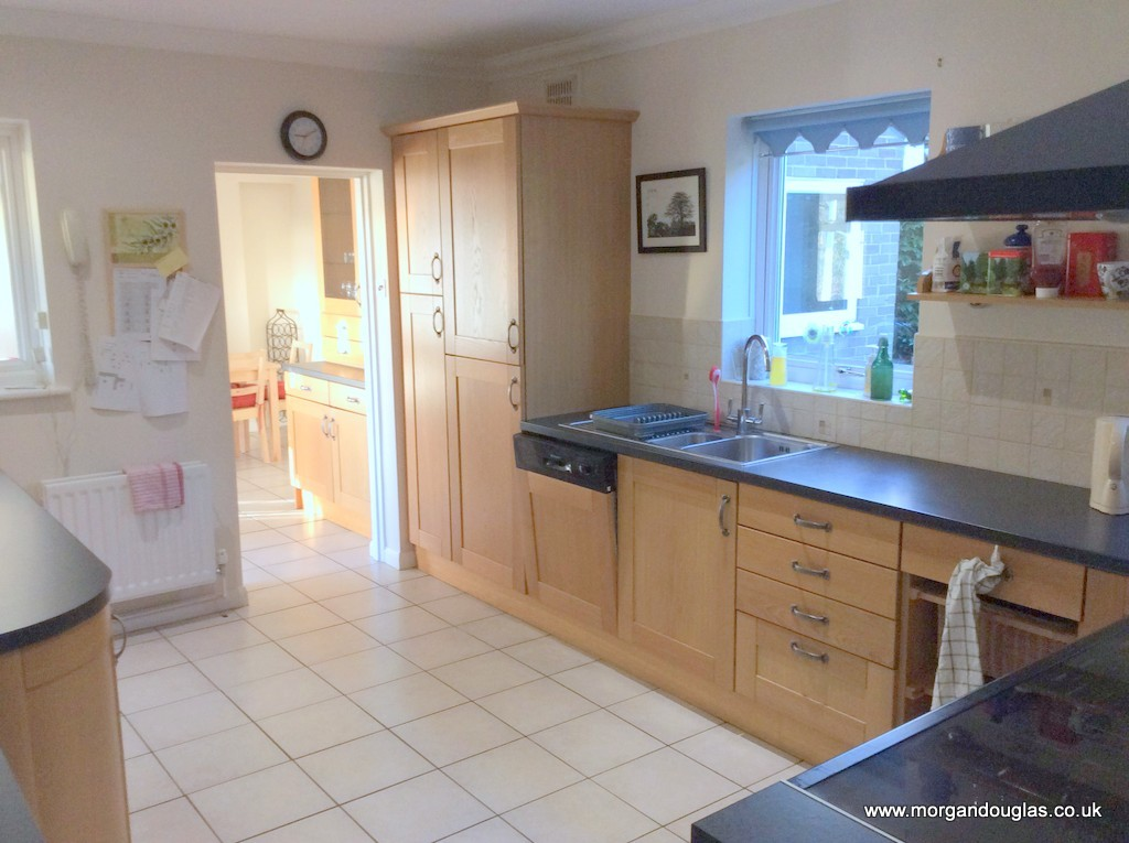 Beautiful Home with en-suite room, All Inclusive