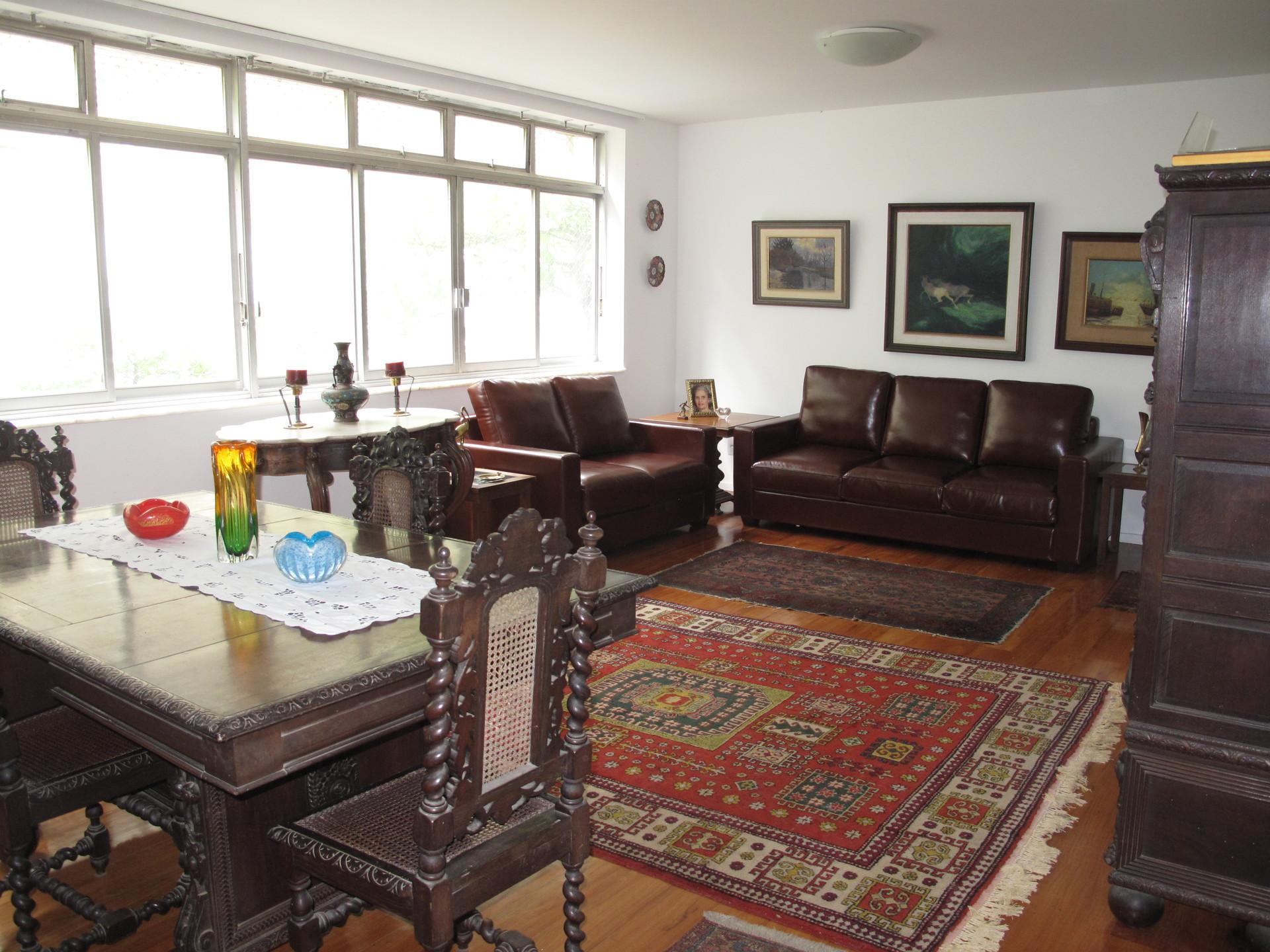 beautiful-large-apartment-block-copacabana-beach-6a3c57bd49b998c795a4d3691b203af0