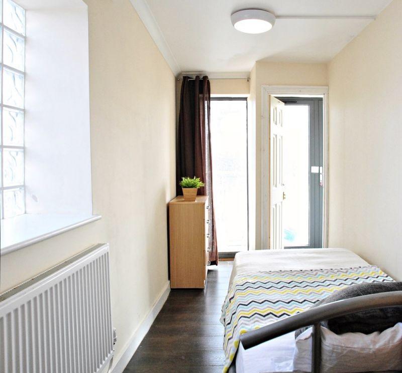 Beautiful room in East Acton Lane
