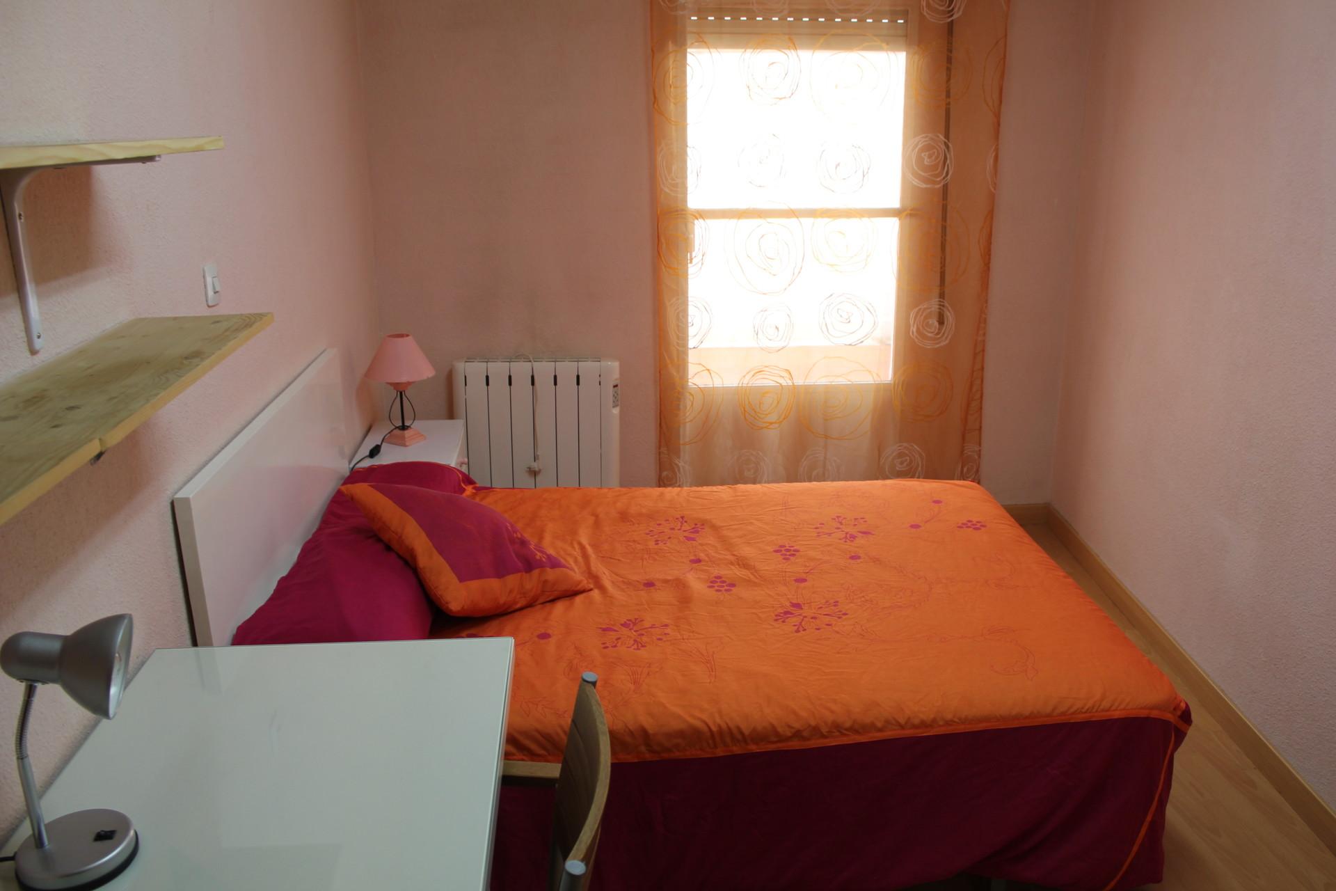 beautiful-room-near-carlos-iii-university-getafe-0d68efb8578060cbf3fb6ae44ec3537d