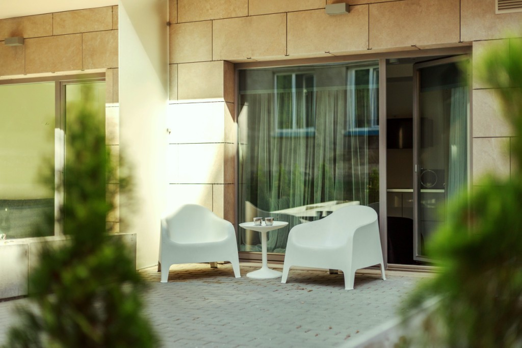 Modern studio apartment with a terrace in Old Town | Rent studios ...