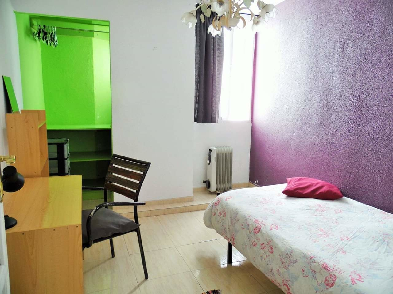 bedroom-in-shared-flat-a112166495bf685435ce7fbe70c0a4f9