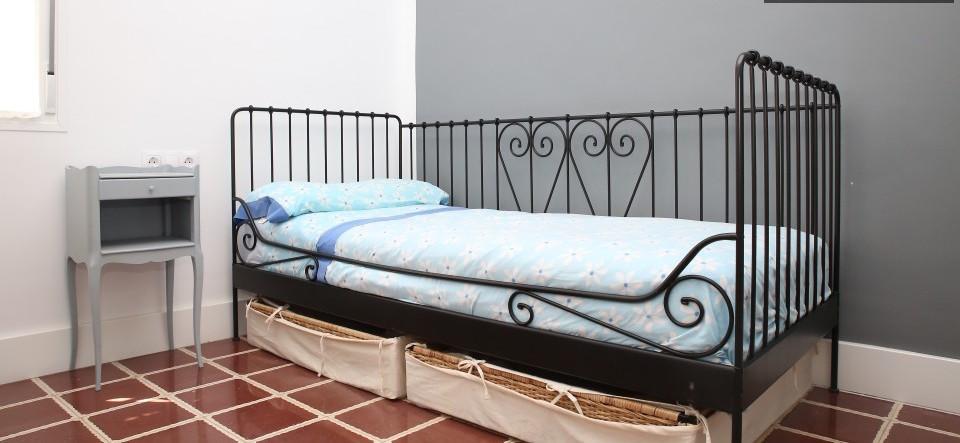 bedroom-reformed-apartment-reina-mercede