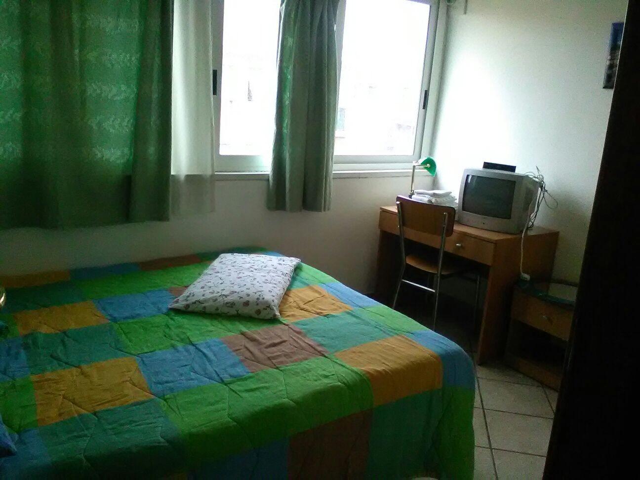 Stanza in bell appartamento in condivisione stanza in for Stanza affitto roma